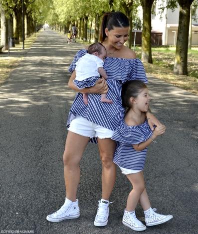righe_cotone_frappe_outfit_coordinato_mamma_bimba_converse_all_star_borchie_momeme